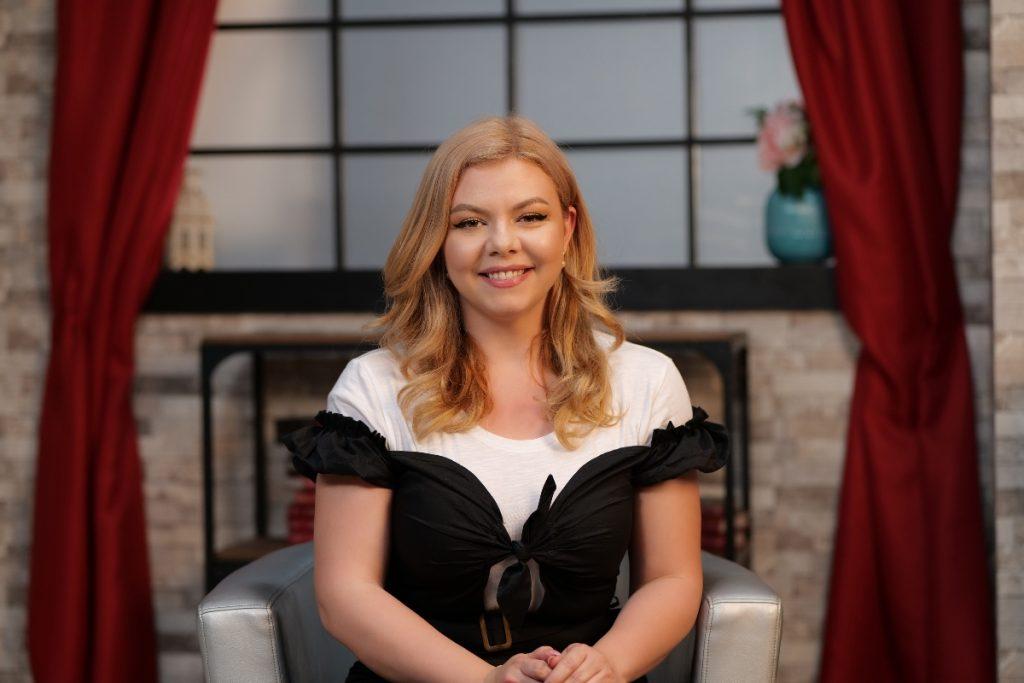 Oana Zidaru, plină de încredere și zâmbitoare la interviul pentru CaTine.ro