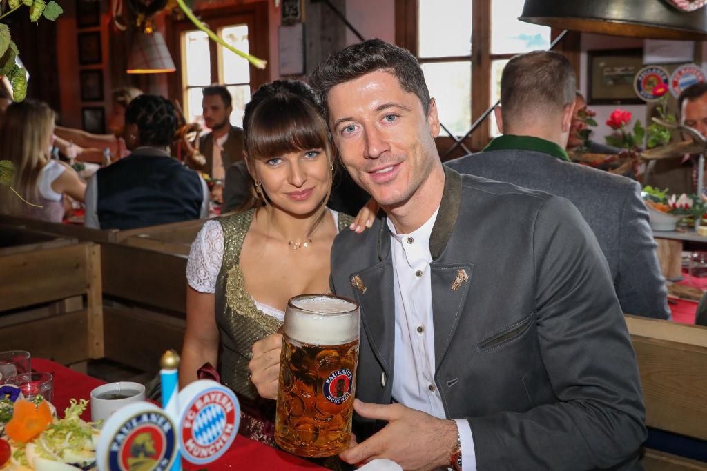 Robert Lewandowski și soția sa, la Festivalul Berii din Germania, în 2019