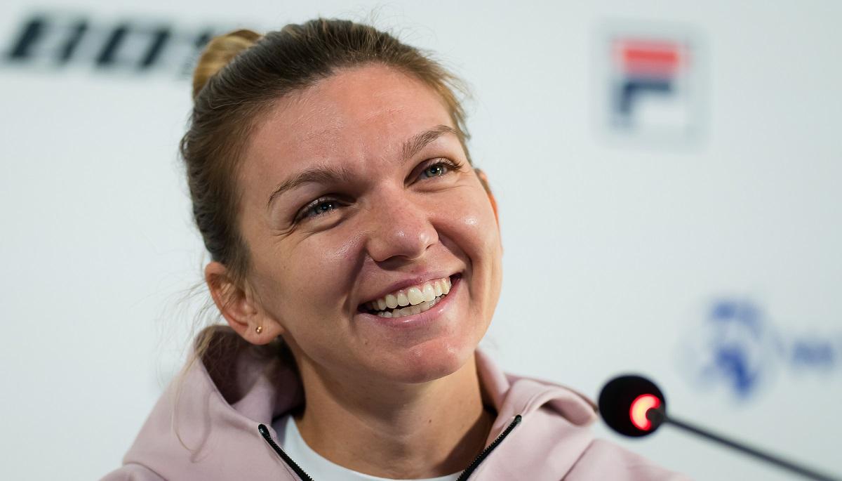 Simona Halep care s-a căsătorit cu Toni Iurcu, într-o conferință de presă după meciul de tenis din 2021 de la Porsche Tennis Grand Prix