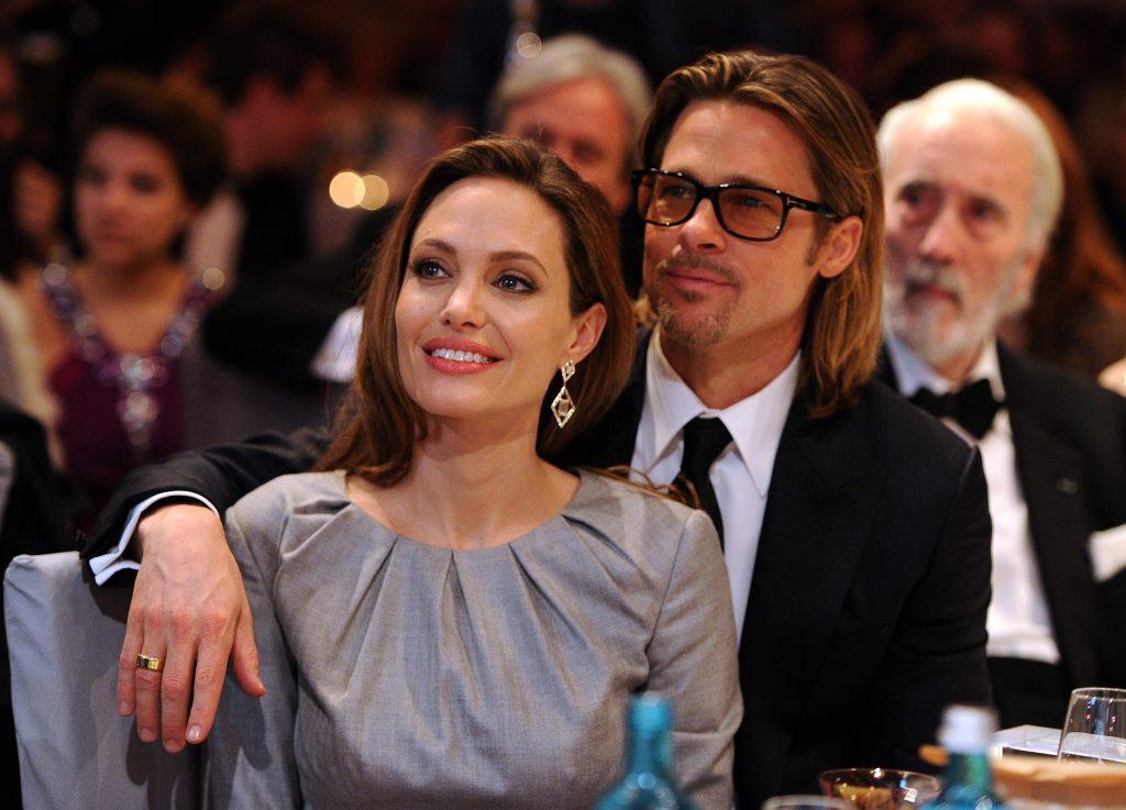 Angelina Jolie și Brad Pitt au participat la cea de-a 62-a ediție a Festivalului Internațional de Film de la Berlin, în anul 2012. Ea a purtat o rochie argintie, cu mănecă lungă, el a optat pentru un costum negru, cravată neagră și cămașă albă