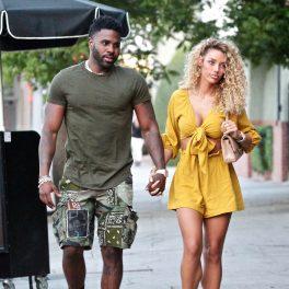 Jason Derulo și Jena Frumes, la plimbare pe stradă, în Los Angeles
