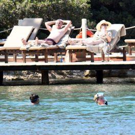 Katy Perry, fotografiată în Turcia în timp ce face scufundări