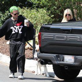 Mod Sun și Avril Lavigne, la plimbare pe stradă în California