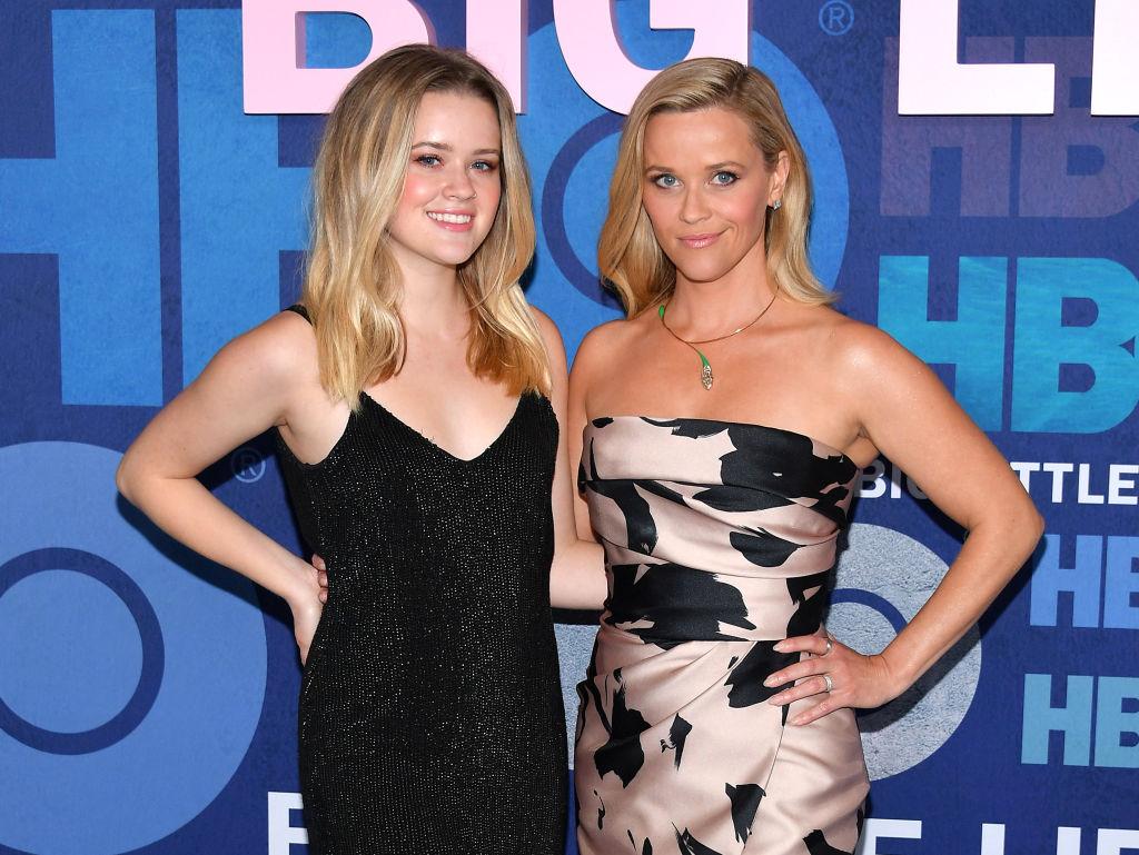 Reese și Ava, în rochii elegante, pe covorul roșu, la premiera sezonului2 Big Little Lies, în 2019