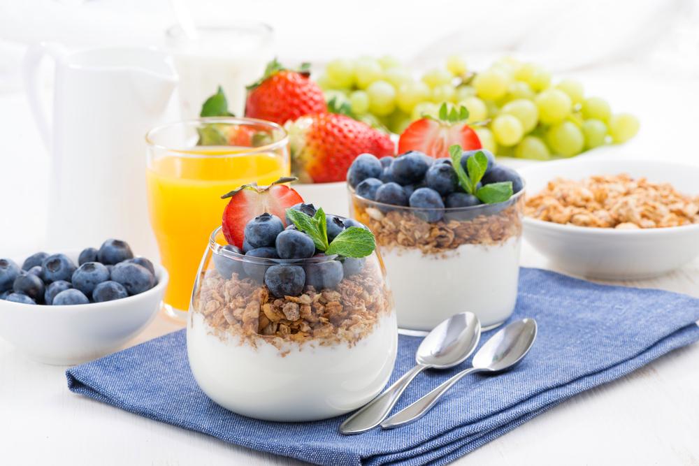 Desert în pahar, cu afine și cereale integrale