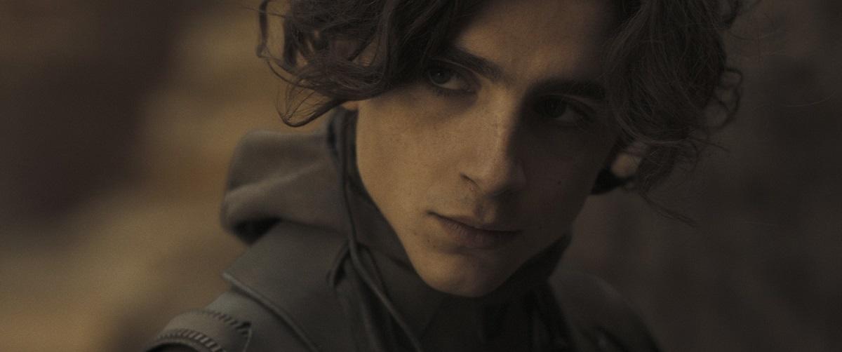 Actorul Timothee Chalamet î rolul principal în filmul Dune care este unul din acele filme noi care apar în luna octombrie 2021 la cinema