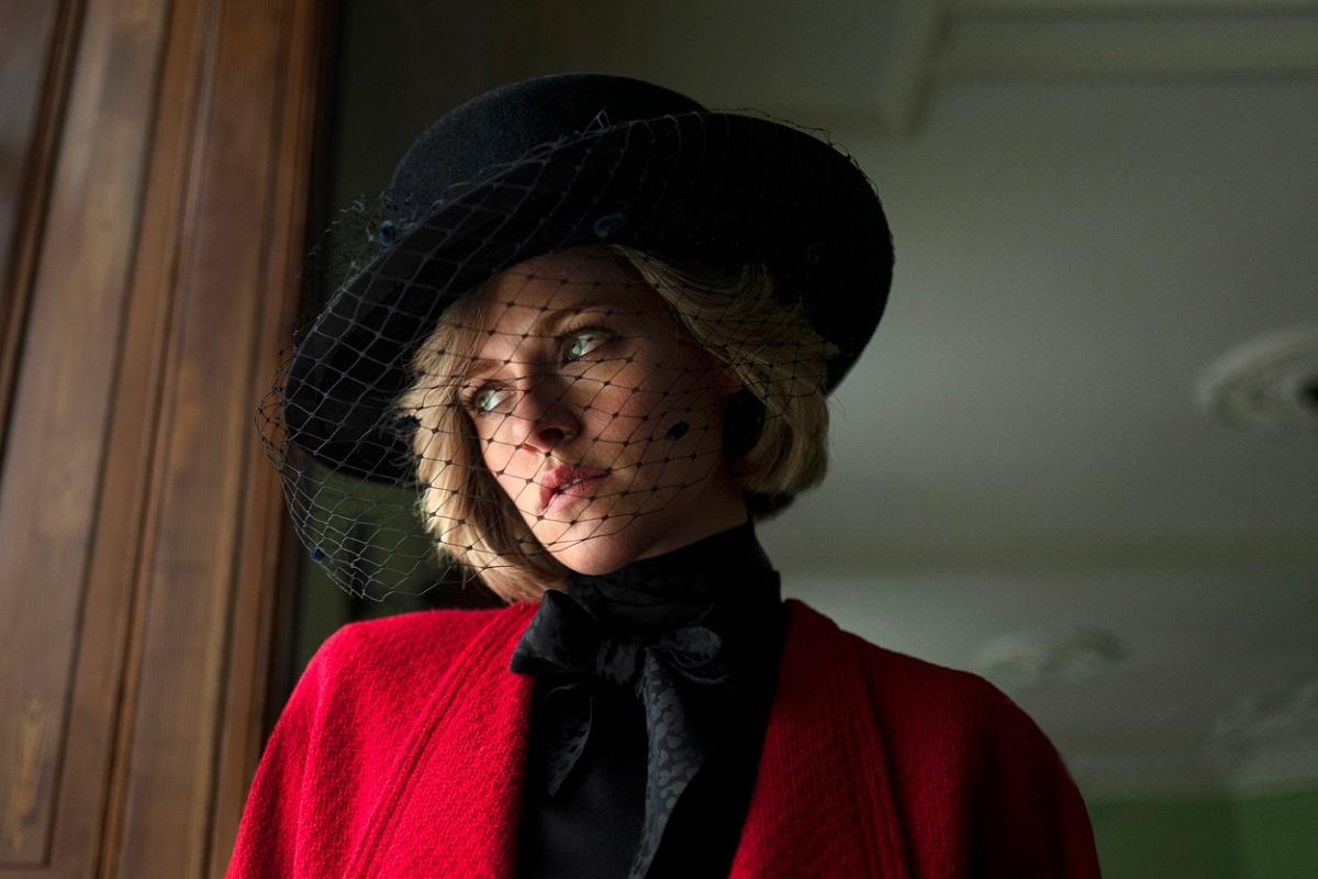 Kristen Stewart în rolul Prințesei Diana în filmul Spencer