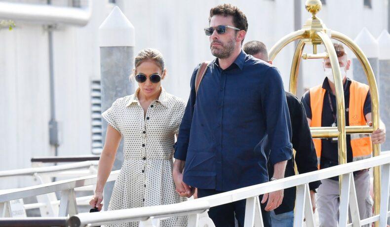 Ben Affleck, de mână cu Jennifer Lopez, în Veneția, îmbrăcați casual