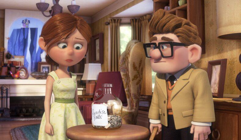 Secvență din filmul Up, lansat în anul 2009. Ellie și Carl se uită la borcanul cu bani pentru excursia lor