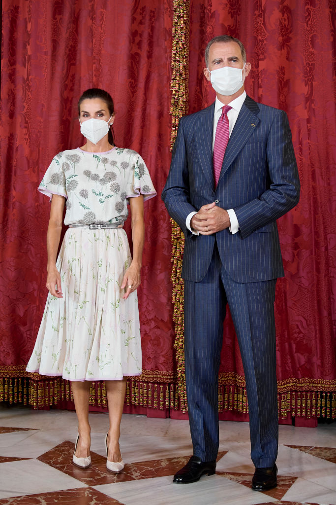 Regina Letizia și Regele Felipe, la Palatul Regal al Spaniei, îmbrăcați elegant