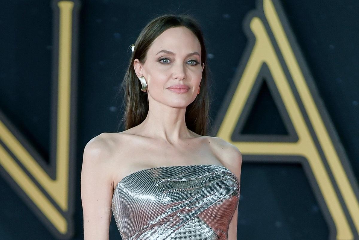 Angelina Jolie a strălucit într-o rochie argintie la premiera filmului Eternals din Roma alături de fiicele sale