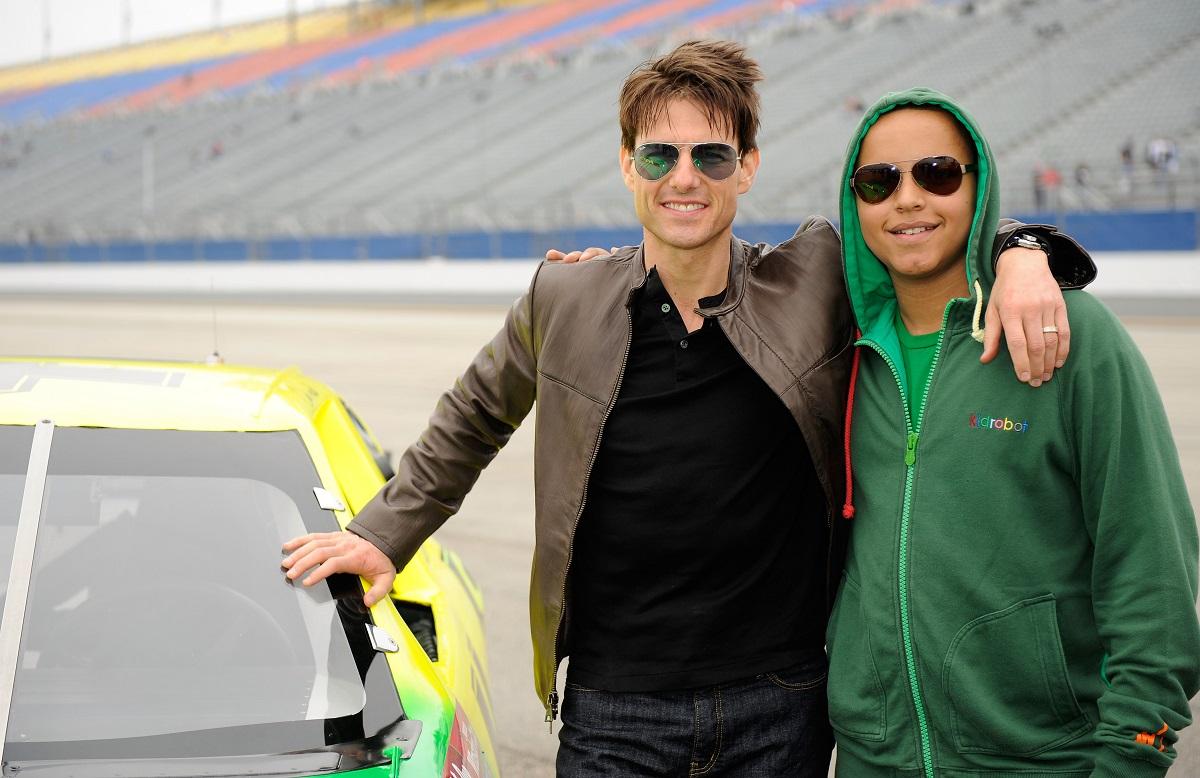 Fiul lui Tom Cruise, Connor Cruise alături de tatăl său la un raliu de mașini