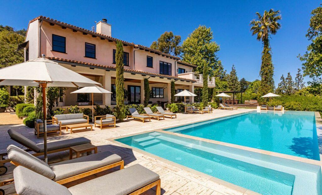 Casa din Hollywood Hills pe care Justin Timberlake a scos-o la vânzare
