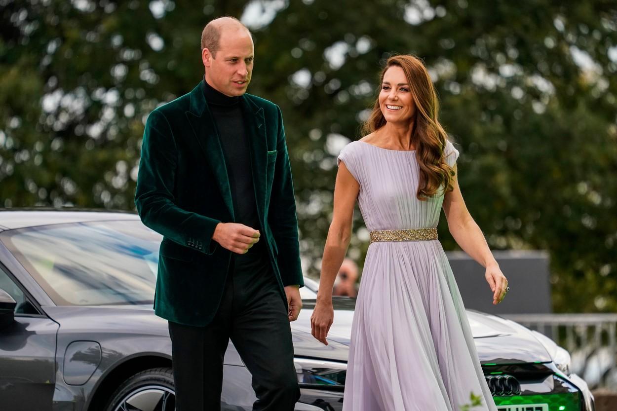 Ducii de Cambridge au pășit împreună pe covorul verde al EarthShot Prize, îmbrăcați elegant