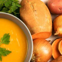 Ingrediente pentru Supă cremă de cartofi dulci, aromată cu ghimbir și usturoi