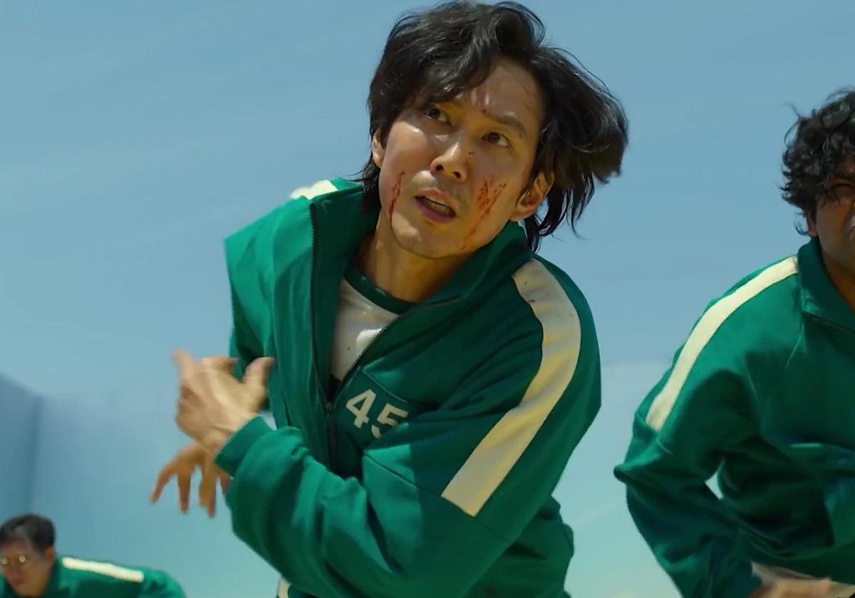 Lee Jung-jae unul din actorii din Squid Game în timp ce se află pe platoul de filmare